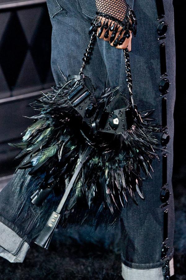 Geanta Louis Vuitton la moda in primavara anului 2014, Foto: fashionologie.com