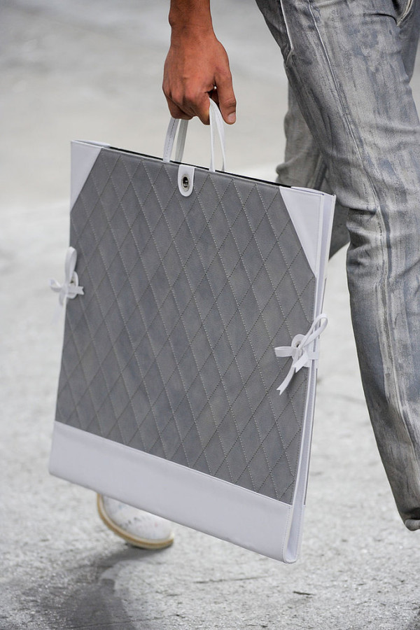 Geanta marca Chanel, Foto: fashionologie.com