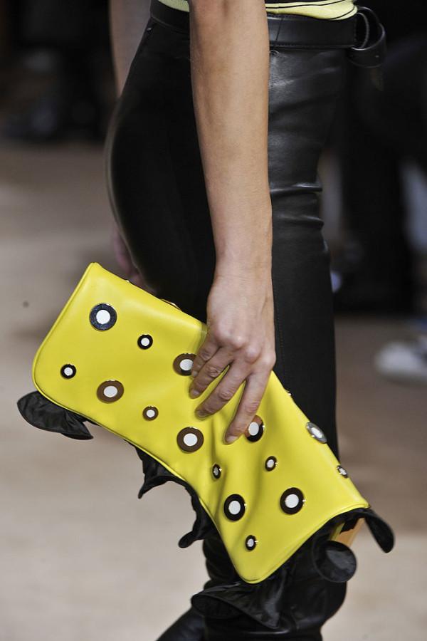 Geanta marca Emanuel Ungaro, Foto: fashionologie.com