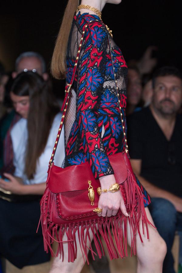 Geanta moderna marca Valentino, Foto: fashionologie.com