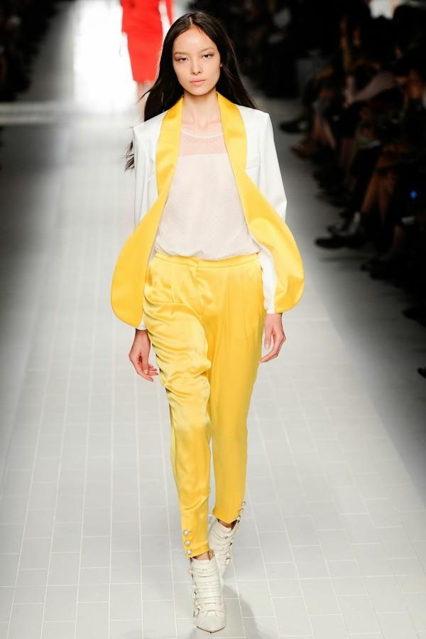 Pantaloni eleganti stramti la moda in anul 2014, Foto: visualoptimism.blogspot.ro