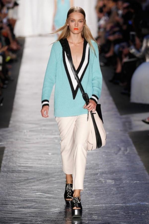 Pulover la moda in primavara anului 2014, Foto: wwd.com