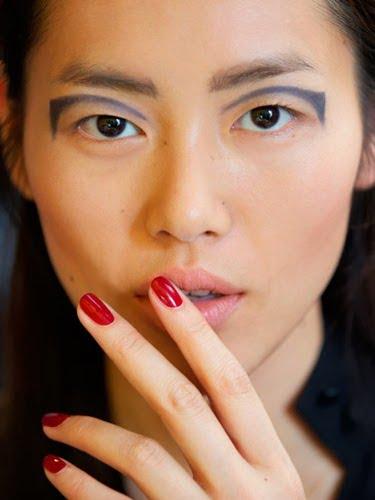 Tatuaje temporare realizate cu dermatograful sunt la moda in acest an, Foto: fadetoblack2011.blogspot.ro
