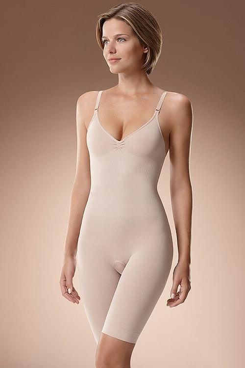 Fii irezistibila cu cea mai buna lenjerie modelatoare. Indiferent de silueta lor, femeile vor sa arate bine intotdeauna. Pentru ocaziile speciale si evenimentele formale rochiile sunt, de regula, cele mai purtate articole vestimentare.