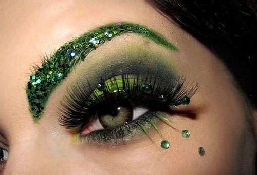 Machiaj in nuante de verde si negru pentru ochi seducatori, Foto: hellyeaheyemakeup.tumblr.com