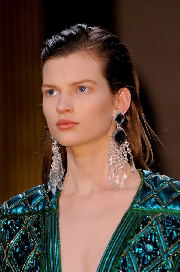 Cercei eleganți marca Balmain, Foto: blogdeluxe.net