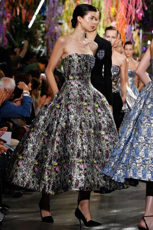 Moda Christian Dior în 2014, rochie elegantă în stilul anilor 50, Foto: eyeweardiary.com