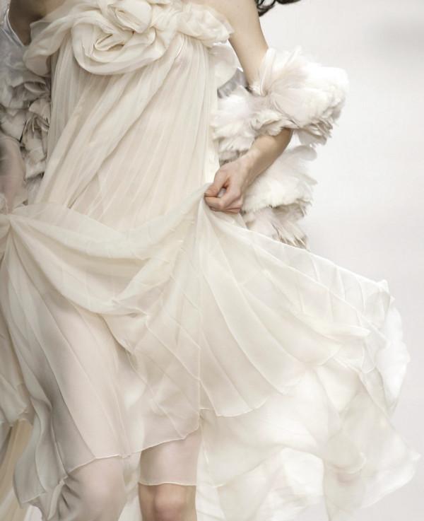 Rochie albă pentru ocazii speciale, Foto: idreamofaworldofcouture.tumblr.com