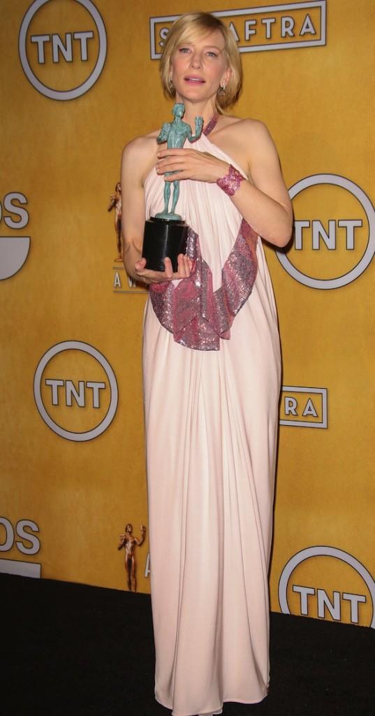 Rochie lungă elegantă, Foto: lablondes.com