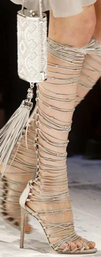 Sandale lungi la modă în anul 2014, Foto: queen-plus.com