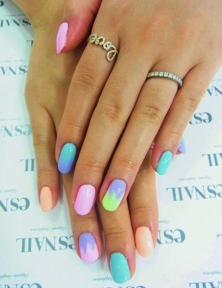 Unghii în culori pastelate, Foto: beautytipsmart.com