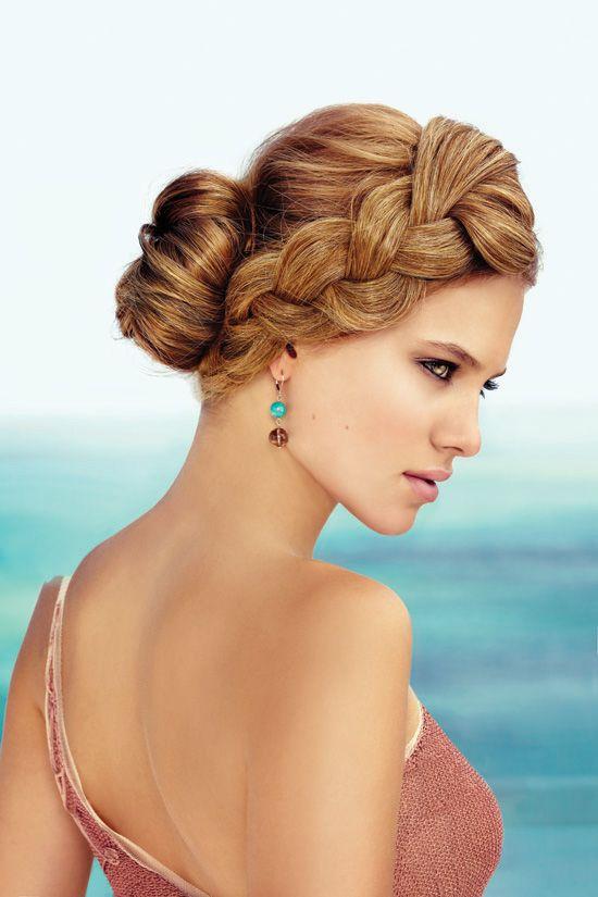Coafură elegantă potrivită pentru orice ocazie, Foto: shaadi-bazaar.com
