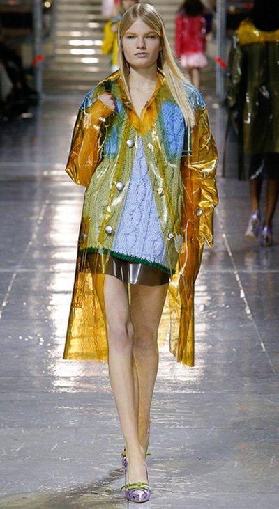 Haină de damă la modă în 2014-2015, Foto: fashionbashon.com