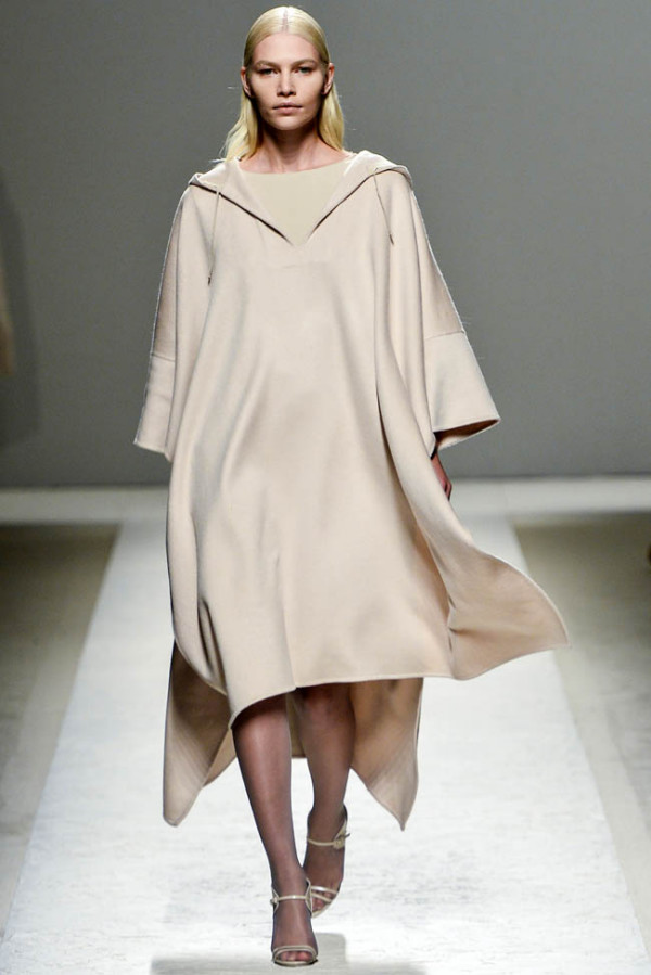 Mantou de vară, model interesant, Foto: fashiongonerogue.com