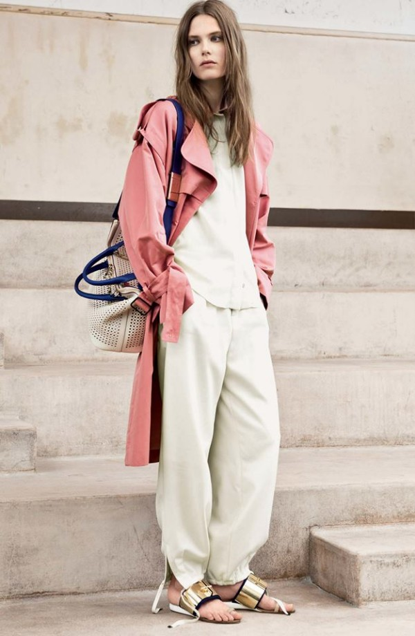 Mantou modern pentru femei, Foto: wardrobelooks.com