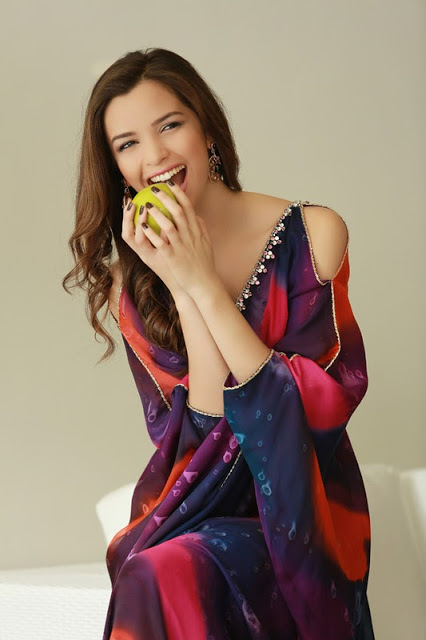 Model elegant de caftan marocan, Foto: ossolema.blogspot.ro