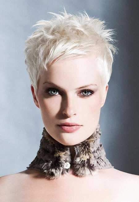 Păr blond platinat, coafură modernă, Foto: asphereoffashion.wordpress.com