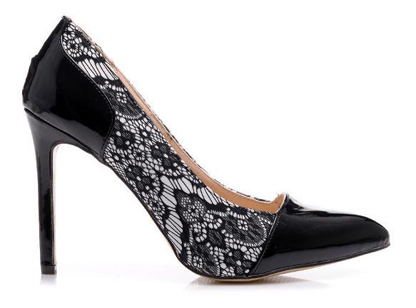 Pantofi eleganți cu dantelă neagră, Foto: czasnabuty.pl