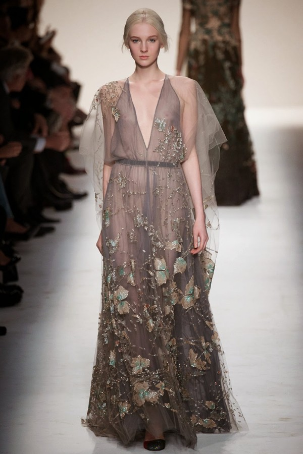 Rochie elegantă transparentă, colecția Valentino din 2014, Foto: sabrinadobuydiva.blogspot.ro