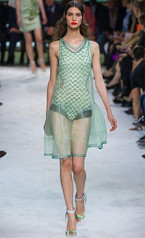 Rochie elegantă transparentă, Foto: fashionbashon.com