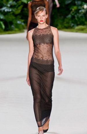 Rochie transparentă, tendințe senzulae și nu vulgare, Foto: fashionbashon.com
