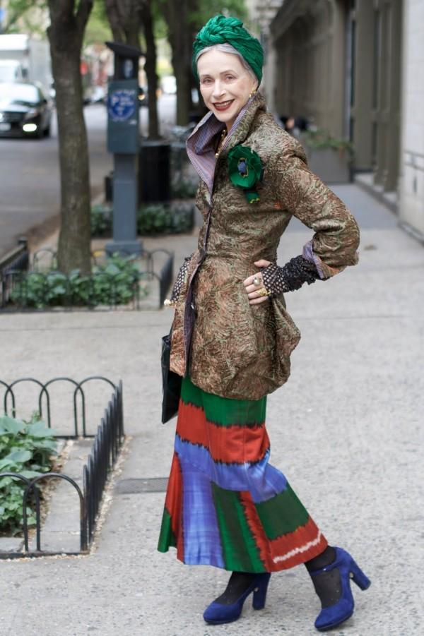 Un stil ușor extravagant dar potrivit vârstei, Foto: advancedstyle.blogspot.ro