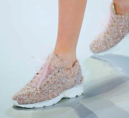 Adidași Chanel, Foto: dreamstylepaper.com