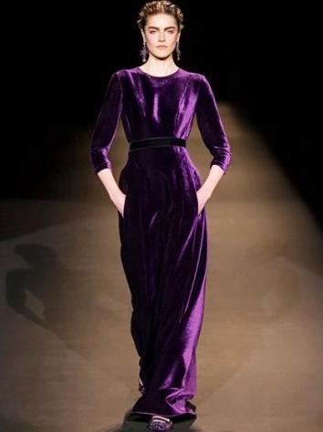 Rochie lungă din catifea, marca Alberta Ferretti