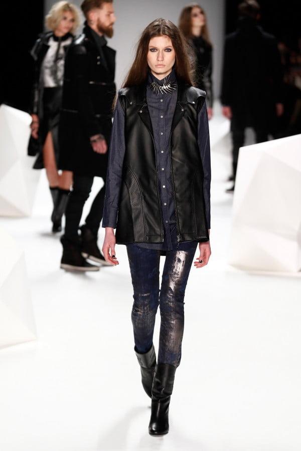 Articole vestimentare denim în stil rock, Foto: wardrobelooks.com