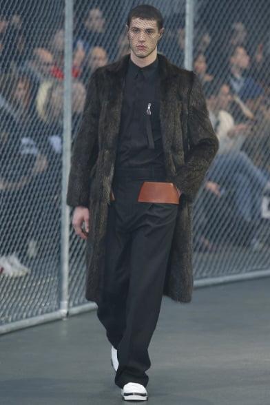 Colecția Givenchy din toamna-iarna 2014-2015, Foto: vogue.it