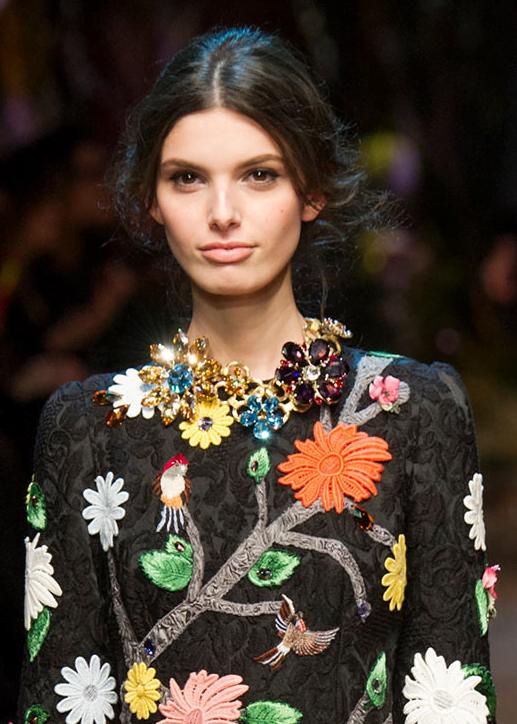 Colier Dolce&Gabbana la modă în toamna anului 2014, Foto: koliero.com