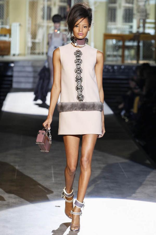 Compleu de damă, marca DSQUARED2, Foto: fashiongonerogue.com