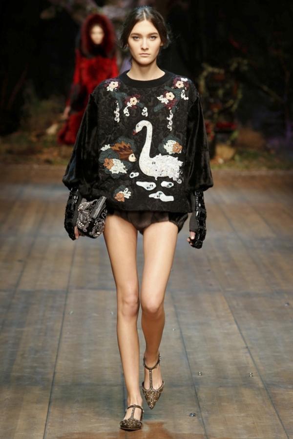 Creație Dolce&Gabbana din colecția inspirată din basme, Foto: olga-bubel.livejournal.com
