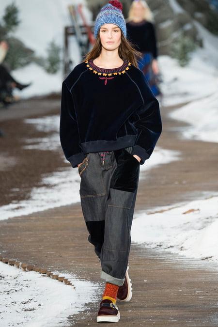 Hanorac din catifea la modă în toamna-iarna 2014-2015, Foto: korolmag.com