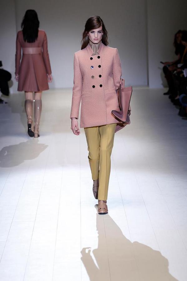 Jachetă roz marca Gucci, Foto: fashionavecpassion.com