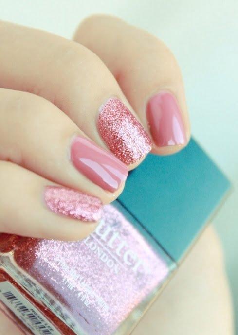 Manichiura roz în tendințele modei din acest an, Foto: zdenka23.blogspot.ro