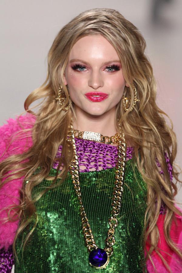 Moda extravagantă la designer-ul Betsey Johnson, Foto: lily.fi
