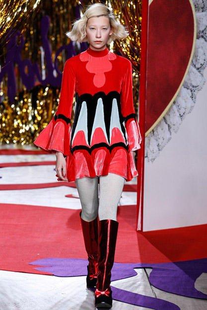 Moda sixties la designerul Meadham Kirchhoff, Foto: sayidaty.ne