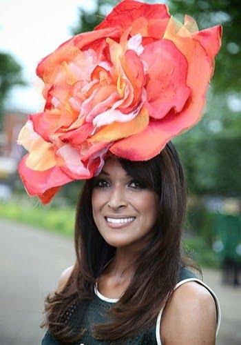 Pălărie în formă de floare, Foto: fashionlabellust.blogsp
