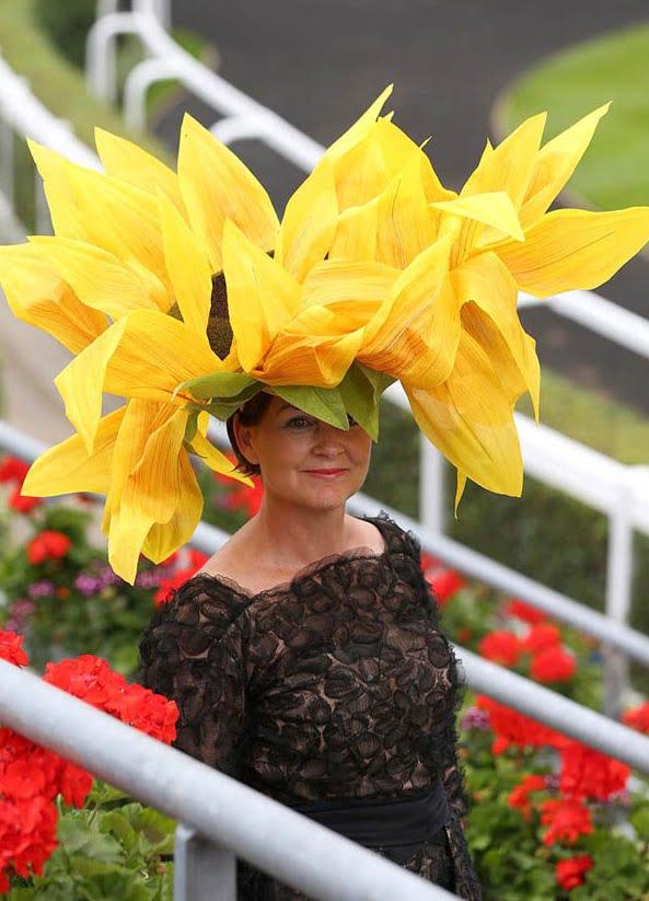 Pălărie în formă de floarea-soarelui, Foto: zaihuangeming.diandian.com