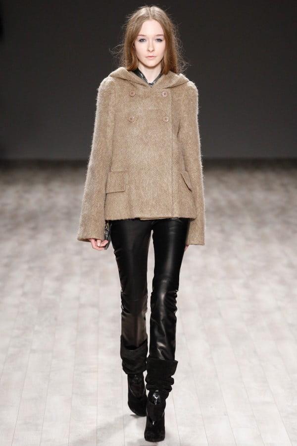 Palton scurt în tendințele modei din acest an, creație Jill Stuart, Foto: thebestfashionblog.com
