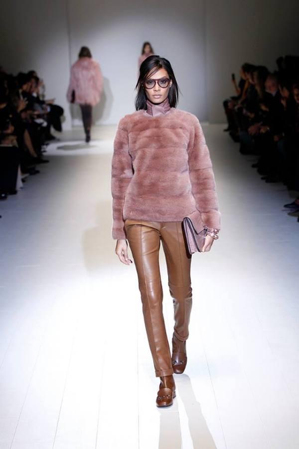Pantaloni din piele marca Gucci, Foto: fashionavecpassion.com