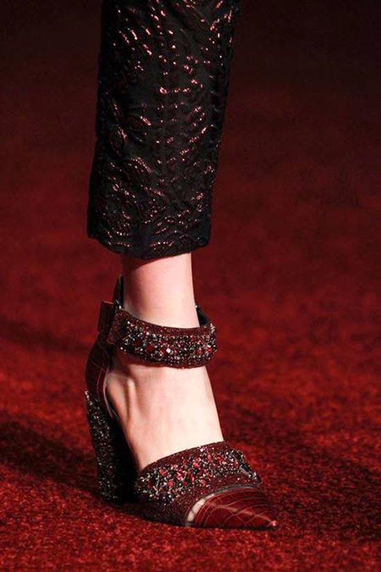 Pantofi la modă în toamna anului 2014, creație a designerului Erdem Moralioglu, Foto: fernandopiresblog.blogspot.com