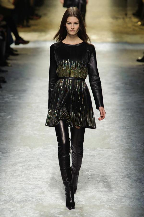 Rochie și cizme din piele marca Blumarine, Foto: fashionising.com