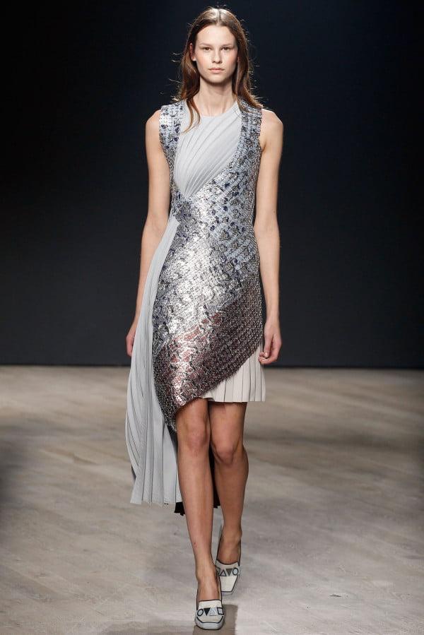Rochie din material plisat, marca Glitter&Sequin, Foto: wardrobelooks.com