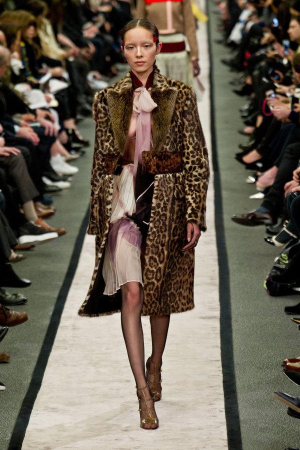 Stilul animal print la Givenchy în toamna anului 2014, Foto: fabsugar.com