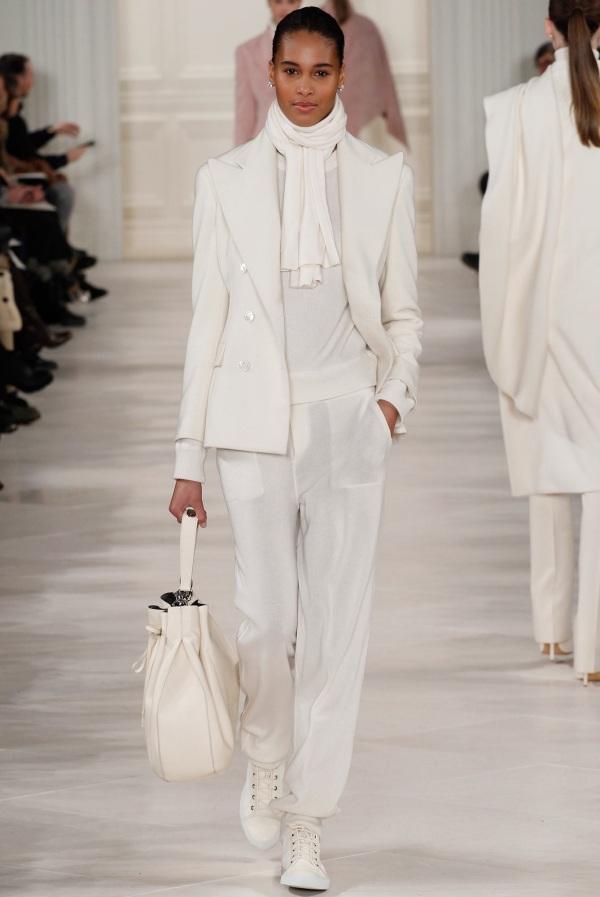 Ținută elegantă complet albă, marca Ralph Lauren, Foto: fabfashionfix.com