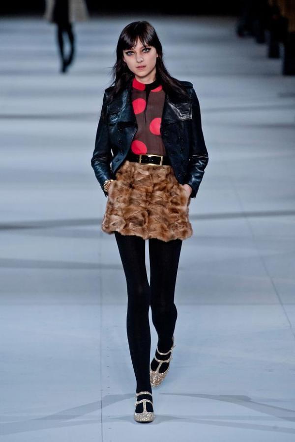 Centură pentru fustă în colecția Saint Laurent, Foto: fashionising.com