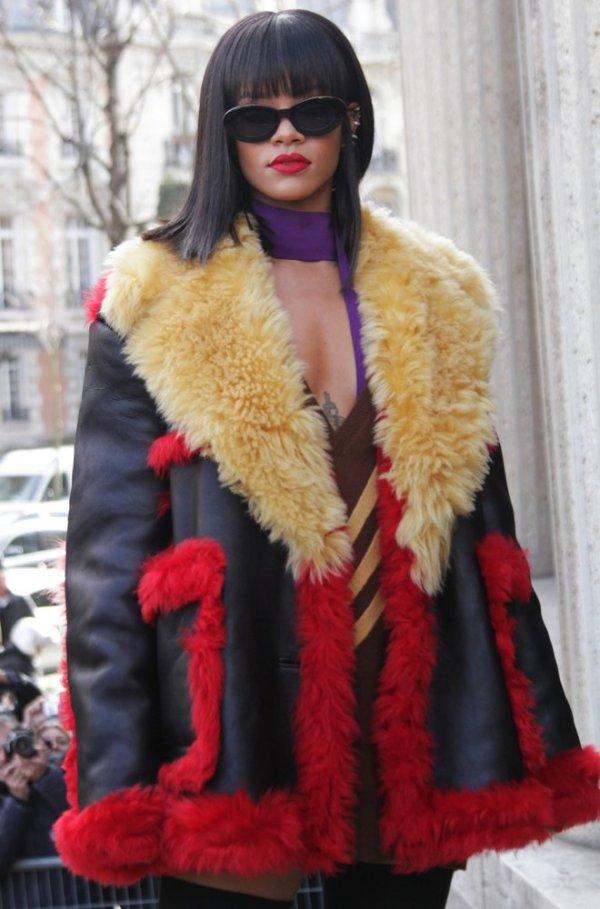 Cojoc din piele la Rihanna, Foto: inflexwetrust.com