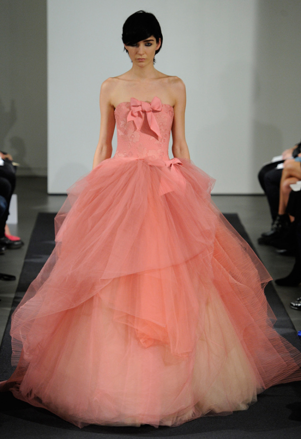 Colecția de rochii de mireasă din toamna anului 2014 la Vera Wang, Foto: blog.theknot.com